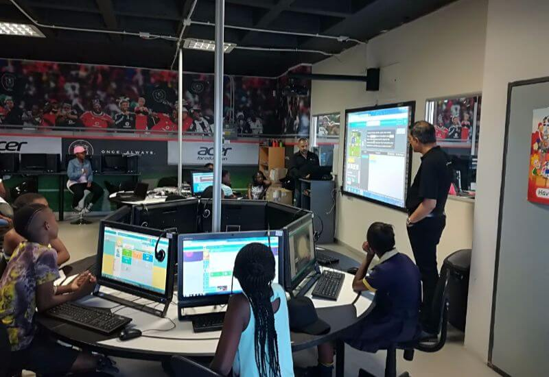 20171207-orlando-pirates-news-computer-science-week-at-learning-centre.jpg